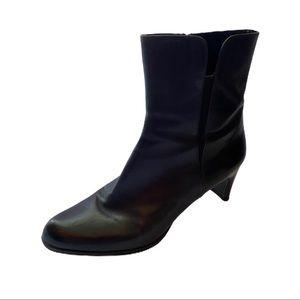 Stuart Weitzman Brown Leather Boots Size 9W